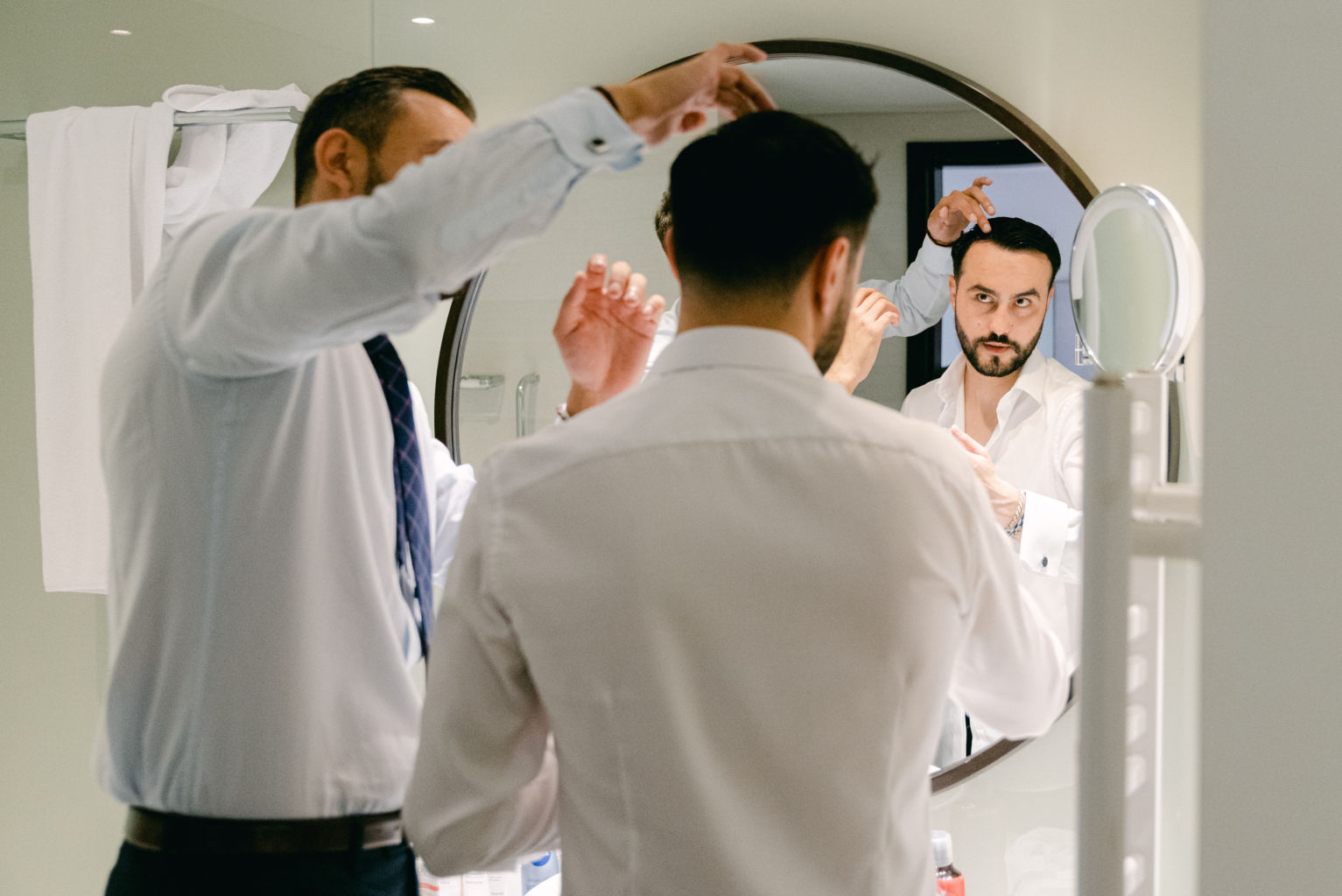 groom getting ready wedding photographer South France